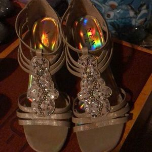 Nude holographic heals